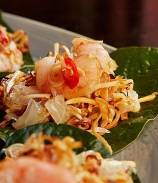 Prawn Pomelo Recipe on Betel Leaves by Chef Tao from Saba