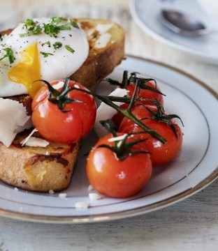 Cheese French Toast with Roasted Cherry Tomatoes and Poached Eggs Recipe by Siúcra x Catherine Fulvio