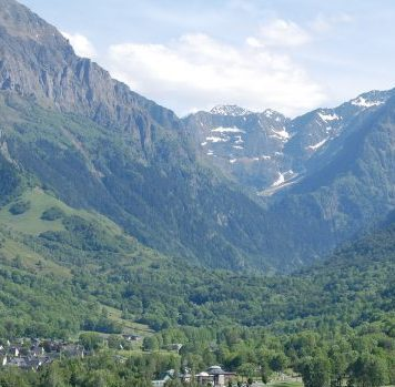 The Pyrenees and Lourdes Travel Guide