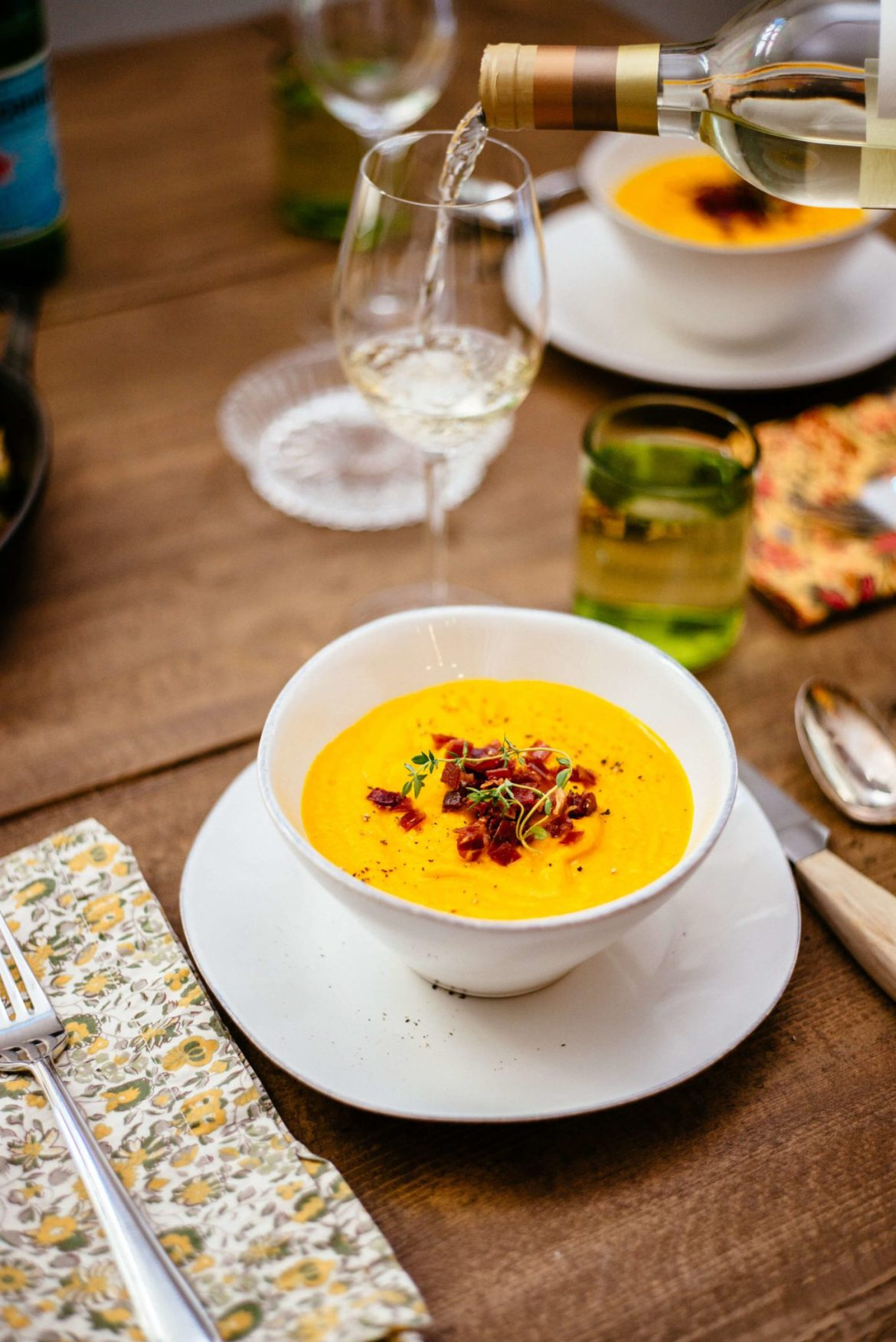 This Roasted Kabocha Squash Soup with Crispy Prosciutto is the perfect Thanksgiving soup