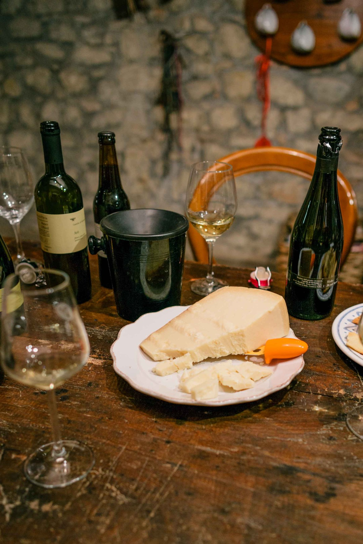The Taste Edit, culinary photographers, recommends visiting this magical winery in northern Italy. Castello di Stefanago is near the town of Pavia in Lombardy. Winemaker and owner Giacomo Baruffaldi gives us a tour of the winery where they make Baruffaldi natural wines. Tasting wine with their family.