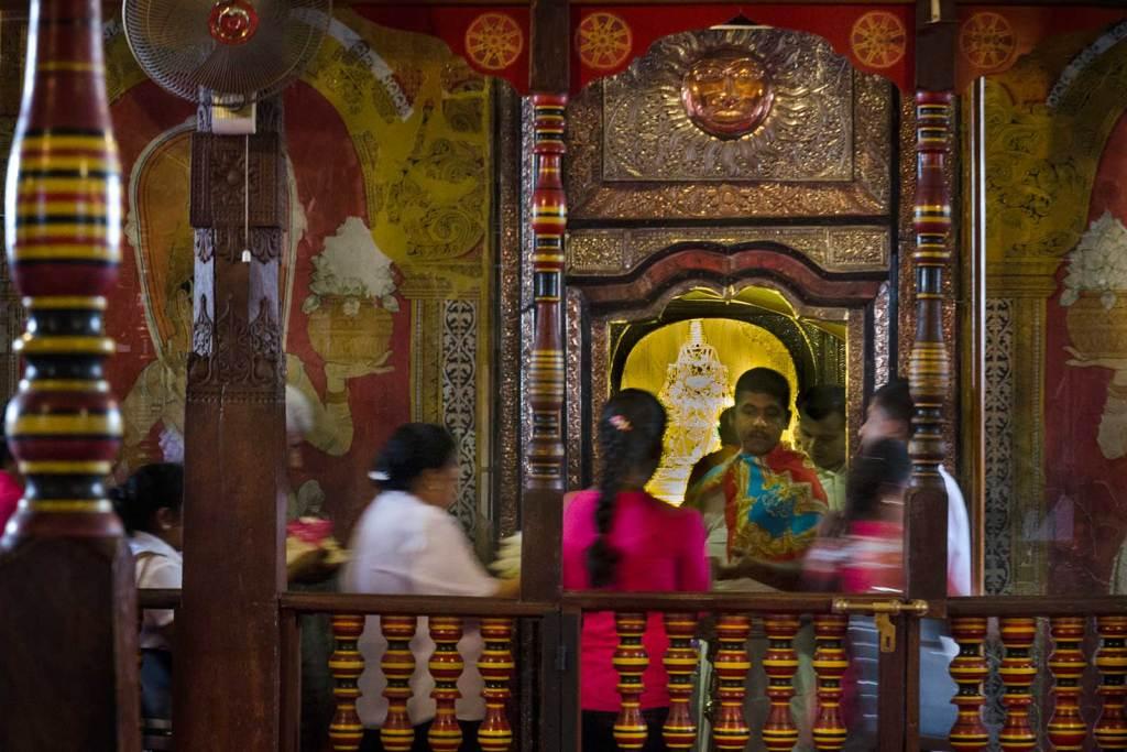 Świątynia Zęba w Kandy, Relikwia Zęba Buddy