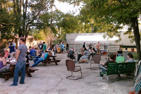 Franklin BBQ backyard - Austin, Texas