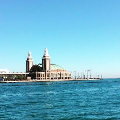 navy-pier-chicago-view-from-shoreline-water-taxi