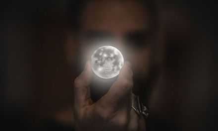 Keep Your Moon-Pointing Finger to Yourself, Master: The Balance of the Teacher/Student Relationship