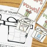 Christmas Literacy Centers- long and short vowel sort