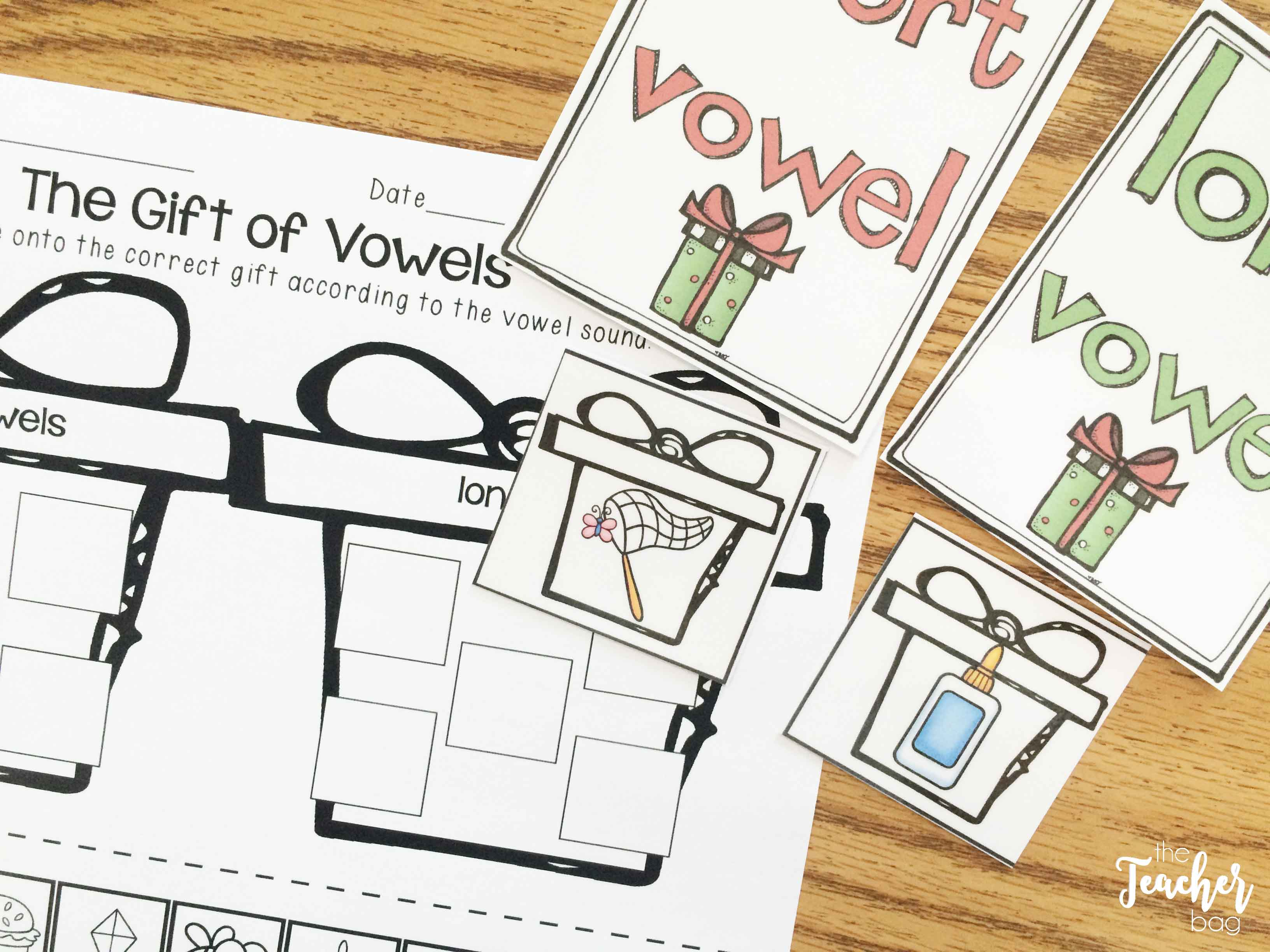 Christmas centers- vowel sort