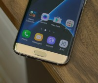 Galaxy-S7-Edge-First-Look-3