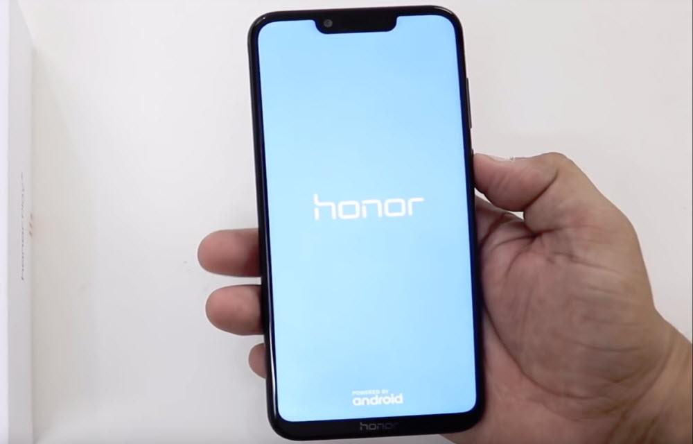 Honor Play Display