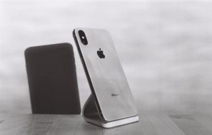 iPhone Xr vs iPhone X Comparison