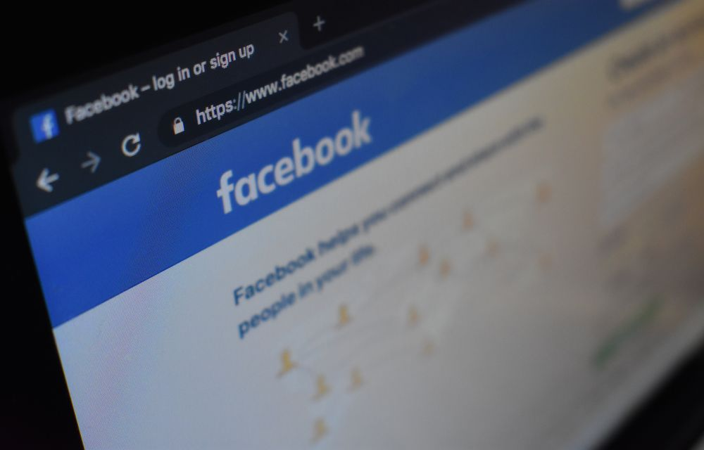 Best Browser Extensions to Stop Facebook Tracking Activity