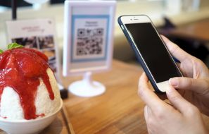 5 Ways to Implement QR Codes into Your Restaurant