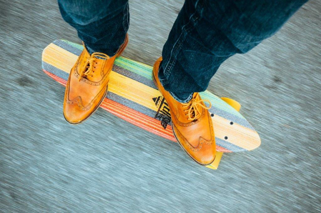 8 important factors to consider before purchasing an electric skateboard