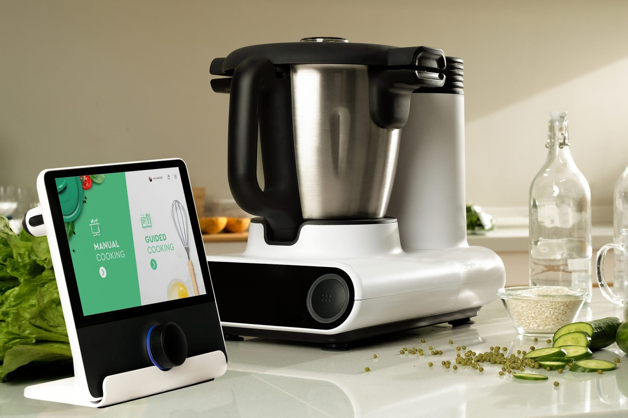 Julia is the autonomous cooking system we have been waiting for! CES 2020