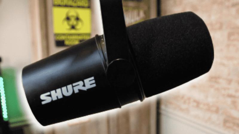 Shure MV7 mic