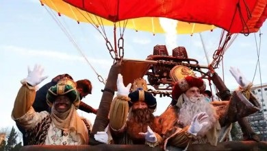 'Three Wise Men' take hot air balloon ride over Seville in Spain – it s viral