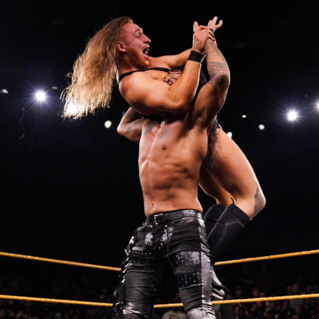 Pete Dunne counters to attempt to break Damian Priest's fingers  via WWE.com