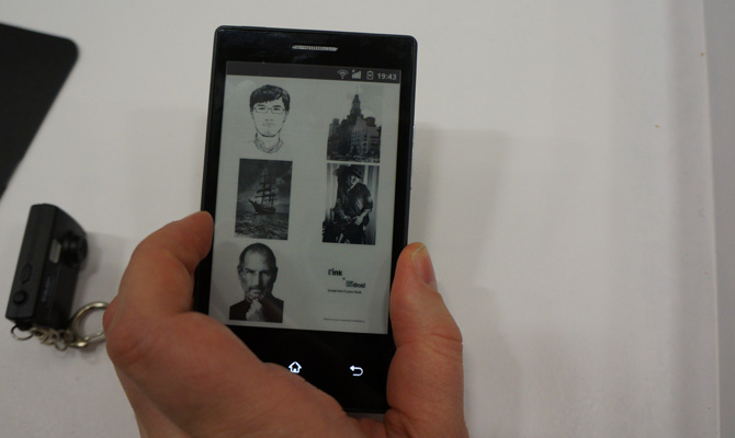 World's First Android Smartphone With E-Ink Announced, Battery Lasts a Week, Weighs Almost Nothing