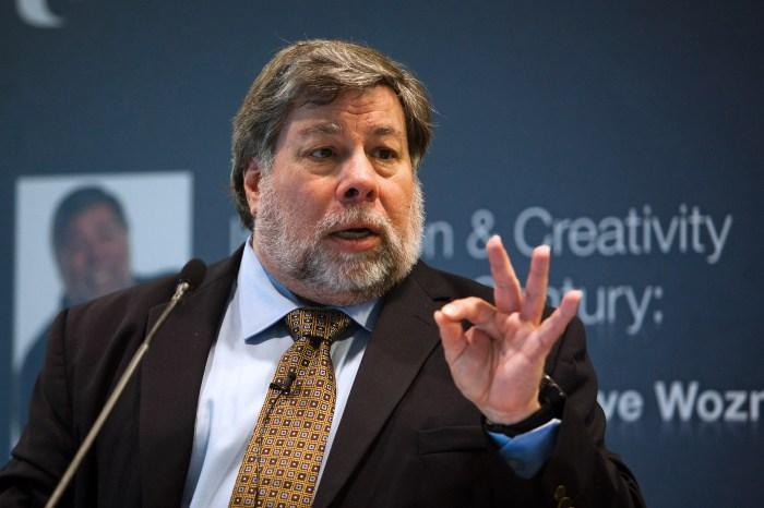 Steve Wozniak Backs NSA whistleblower