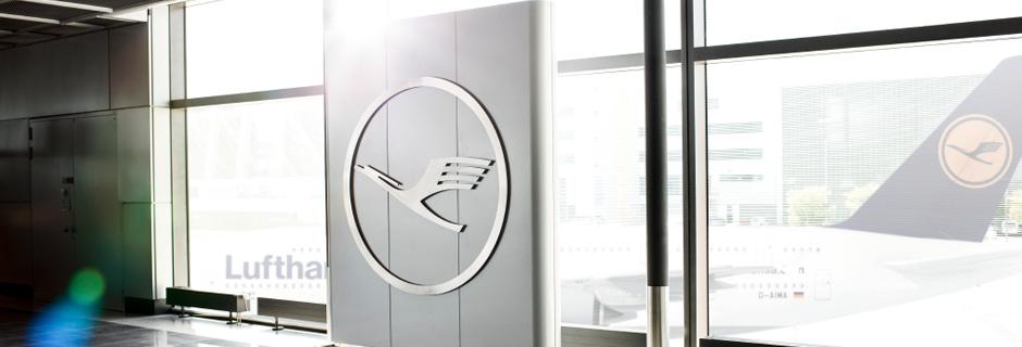 Lufthansa brand banner