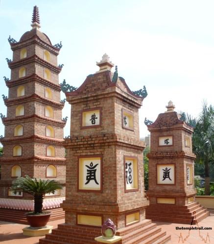 Stupas in Hanoi