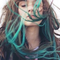 blue-colorful-dyed-tips-girl-green-hair-Favim.com-57253