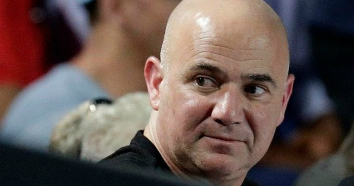 Andre Agassi: Federer has every right to leave at any convenient time