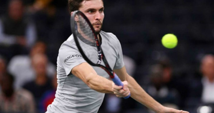 Gilles Simon won a strong-willed victory in the second round of the tournament in Marseille