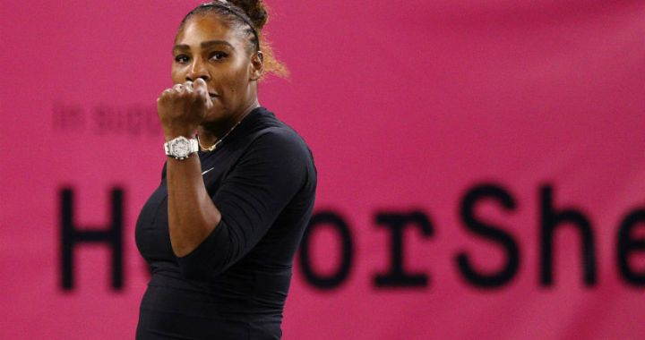 "Serena Williams advanced to the third round of the ""Premiere"" in Miami"