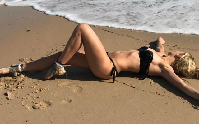 Dayana Yastremska published a photo in a bathing suit