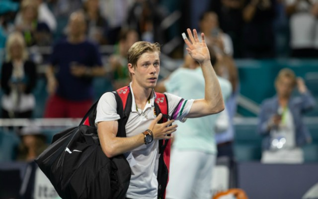 Lyon Denis Shapovalov failed to cope with Benoit Paire