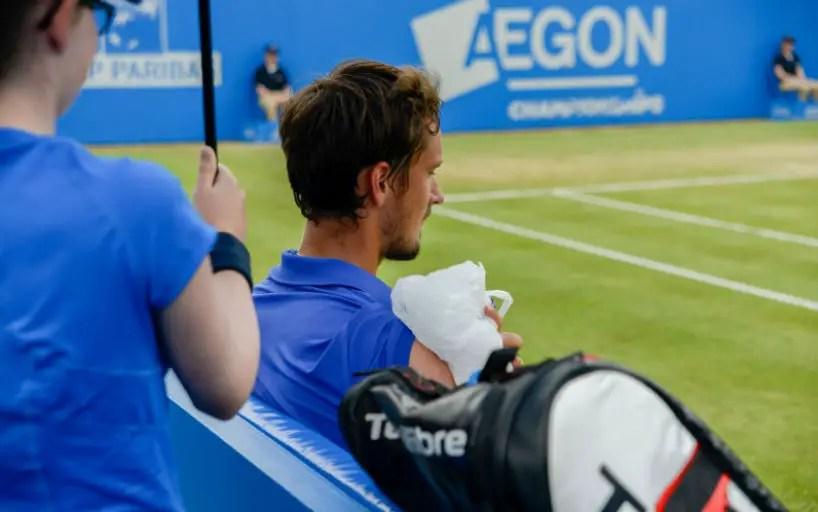 Daniel Medvedev leaves the tournament in London_5d0e5478930dc.jpeg