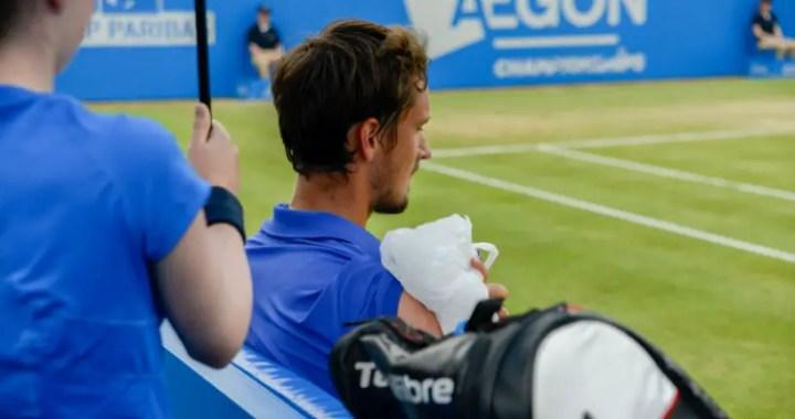 Daniil Medvedev leaves the tournament in London