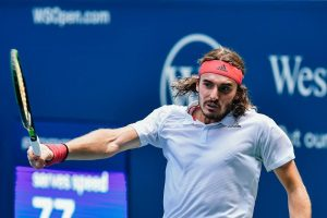 Stefanos Tsitsipas and his family starred in a commercial.