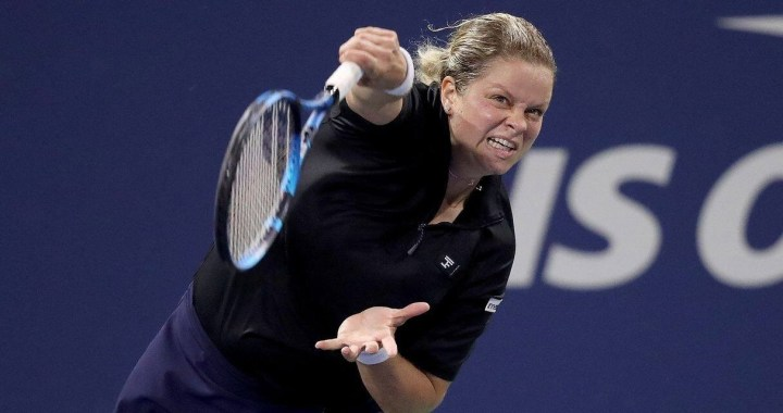 Kim Clijsters has refused the wild card for the Australian Open