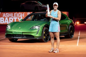 Ashleigh Barty vs. Aryna Sabalenka | 2021 Stuttgart Final | WTA Match Highlights