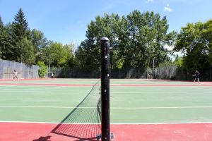 tennis-tourist-tables-stanley-park-tennis-court-net-calgary-teri-church