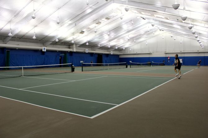 tennis-tourist-calgary-winter-club-indoor-court-wide-teri-church