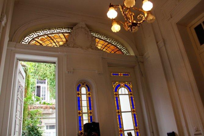 tennis-tourist-buenos-aires-argentina-evita-museum-entrance-teri-church