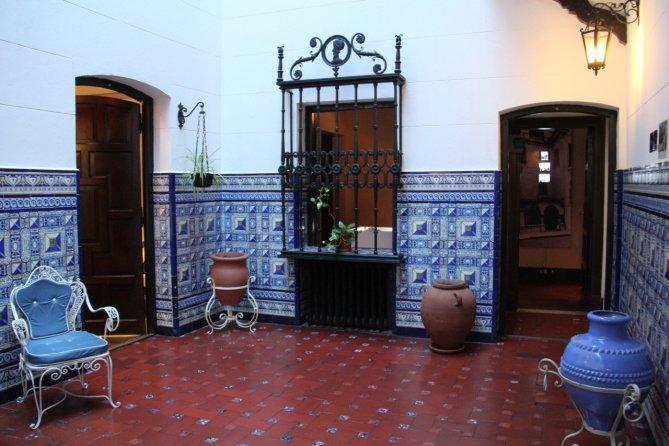 tennis-tourist-buenos-aires-argentina-evita-museum-parlor-teri-church