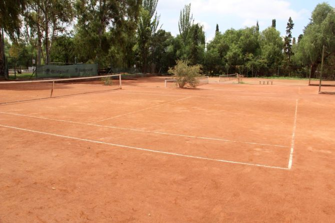 tennis-tourist-mendoza-argentina-club-hipico-tennis-court-teri-church