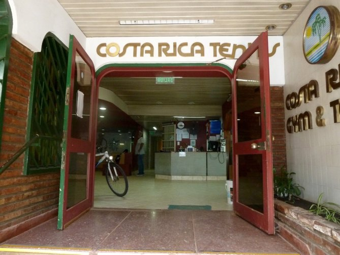 tennis-tourist-buenos-aires-argentina-evita-palermo-costa-rica-tennis-club-reception-teri-church