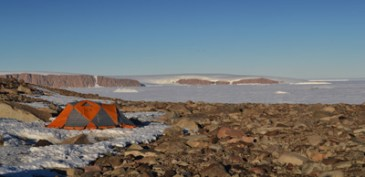 Camp over-looking icebergs in Ross Sea (Jan 2013)