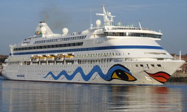 Thailand welcomes cruise ship shunned in Vietnam over virus fears