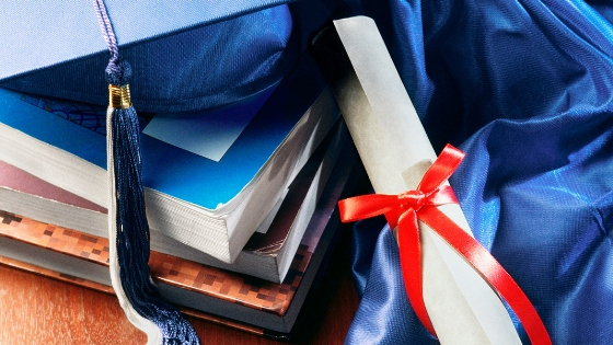 The Expert Bookshelf: Best Books for Future Therapists