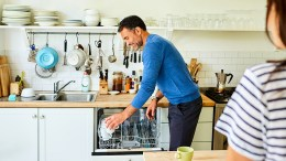 Husband doing chores is Islamic