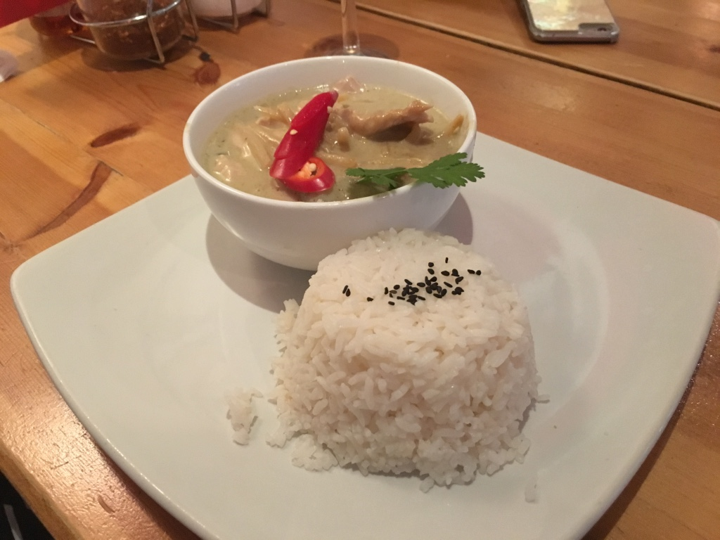 Green thai curry with chicken