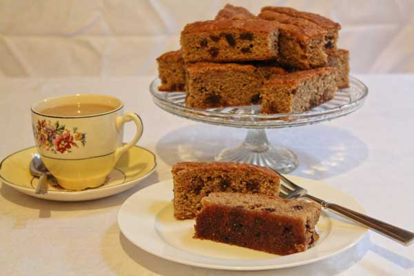 An Exceedingly Good Country Slice Cake Recipe