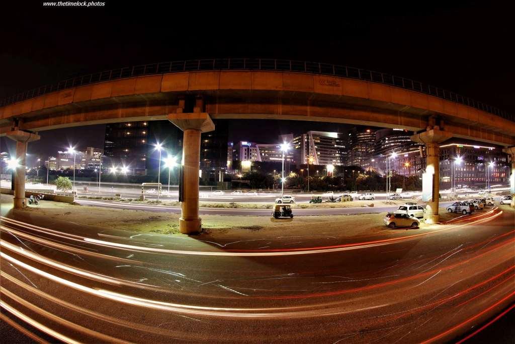 metro line near DLF cyber hub