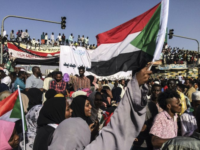 Sudan - Khartoum demands civilian rule (13/Apr/2019)